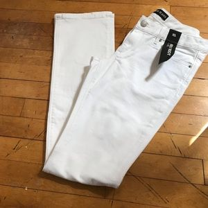 Express White barely boot cut jeans NWT NEW 10